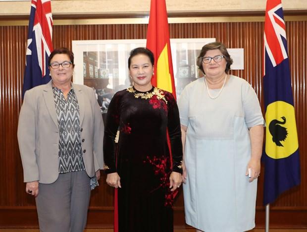 越南国会主席阮氏金银会见西澳大利亚州参议院和众议院领导人 hinh anh 1