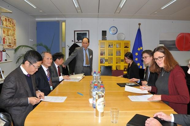 越南与欧盟共同努力 尽早就双边自由贸易协定达成一致 hinh anh 1