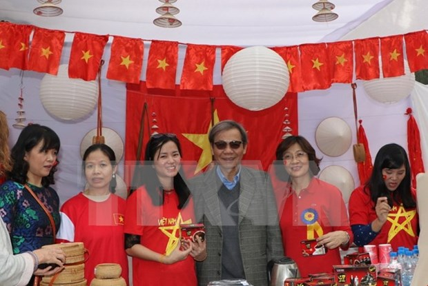 印度国际慈善义卖活动:越南美食颇受参观者好评 hinh anh 1