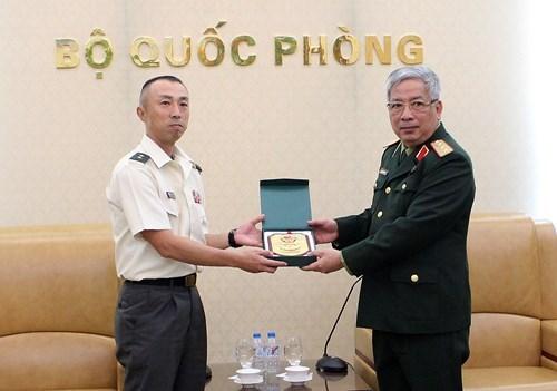 越南十分重视与日本的防务合作 hinh anh 1