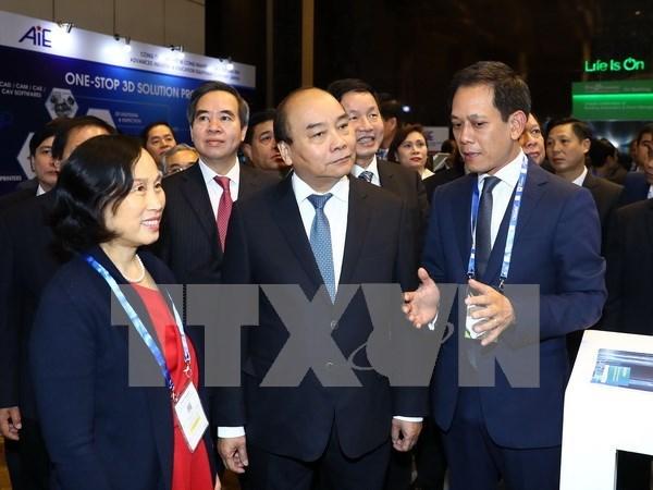 政府总理阮春福:第四次工业革命是实现民族繁荣昌盛渴望的机会 hinh anh 1