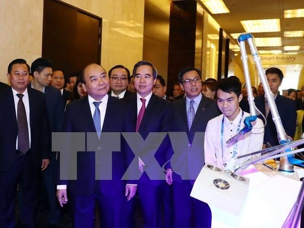 政府总理阮春福:第四次工业革命是实现民族繁荣昌盛渴望的机会 hinh anh 2