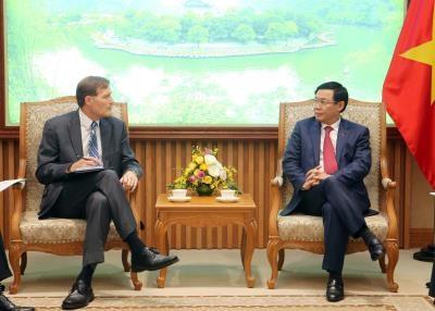 王廷惠副总理欢迎美国国际开发署为越南企业参加全球供应链提供协助 hinh anh 2