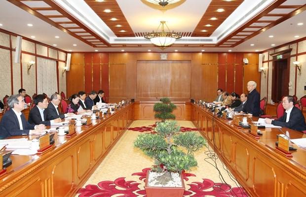 越共中央政治局召开会议:阮富仲要求做好干部工作 hinh anh 2