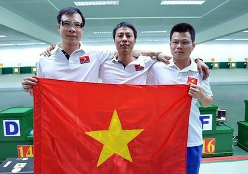 2017年第10届亚洲气枪锦标赛:越南队摘铜 hinh anh 1