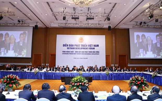 2017年越南发展论坛在河内举行 hinh anh 1