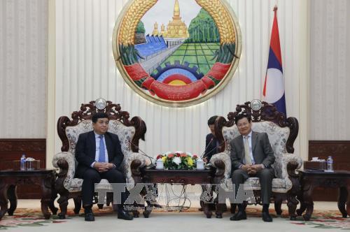 老挝总理通伦·西苏里高度评价老越两国合作委员会的作用 hinh anh 1