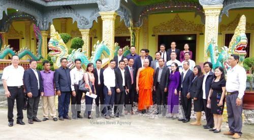 柬埔寨文化与宗教部走访越南朔庄省 hinh anh 1