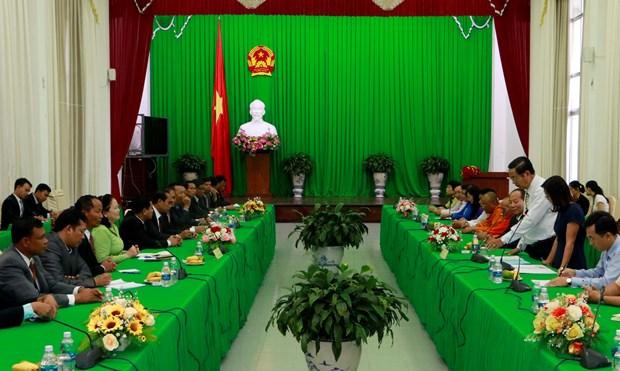 芹苴市领导会见柬埔寨宗教部代表团 hinh anh 1
