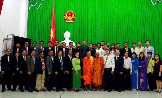 芹苴市领导会见柬埔寨宗教部代表团 hinh anh 2