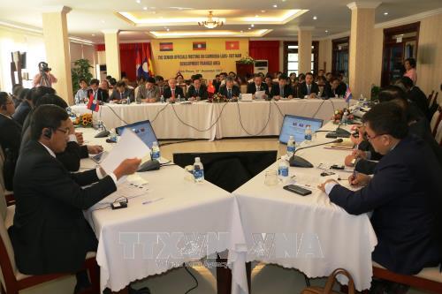 柬老越发展三角区副部长级会议在越南平福省拉开序幕 hinh anh 1