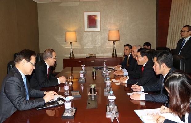 越南政府副总理兼外长范平明对韩国进行正式访问 hinh anh 2