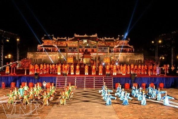 2018年顺化文化节:一个目的地 五个遗产 hinh anh 2