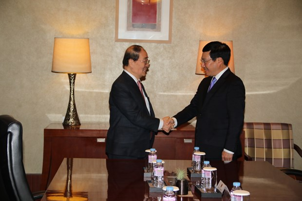 越南政府副总理兼外长范平明对韩国进行正式访问 hinh anh 1