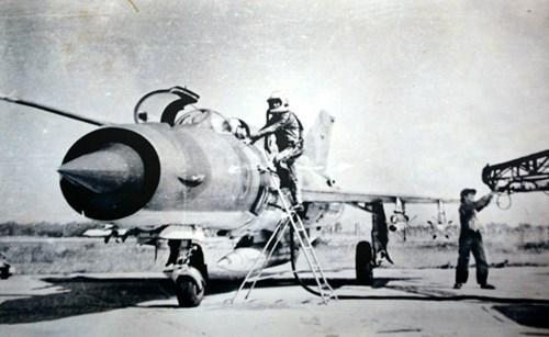 1972年末防空战役-越南特色的防空作战艺术 hinh anh 1