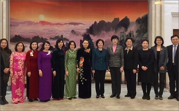 越南妇女联合会代表团对中国进行工作访问 hinh anh 2