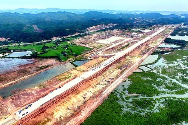 推进实施广宁省云屯国际航空港规划 hinh anh 1
