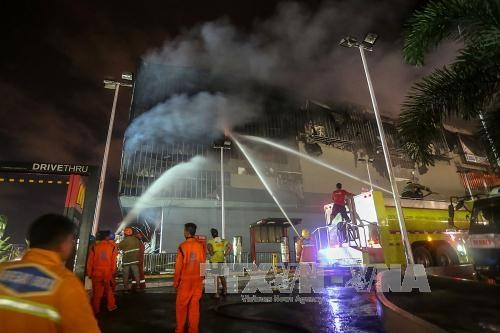 菲律宾达沃一商场发生火灾造成37人死亡 hinh anh 2