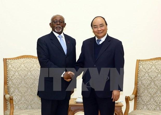 喀麦隆愿与越南加强多方面合作 hinh anh 1