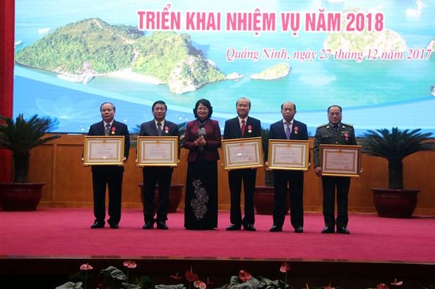 越南国家副主席邓氏玉盛:将竞赛奖励工作与中央各项决议和指示相结合 hinh anh 2