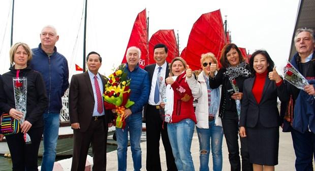 全国各地旅游景点迎来2018新年第一批游客 hinh anh 1