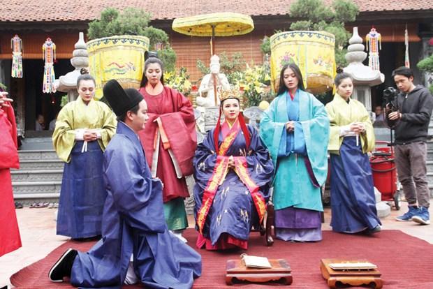 """""""编织一个王朝""""宫廷服饰和礼仪复原项目有助于向世界推介越南文化 hinh anh 1"""