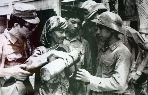 越南与柬埔寨团结战斗之情的光辉象征 hinh anh 1