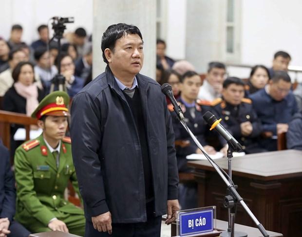 郑春青及其同案犯案件一审:郑春青推卸申请预付款中的责任 hinh anh 3