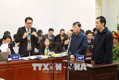 郑春青及其同案犯案件:郑春青不承认犯罪行为 hinh anh 2