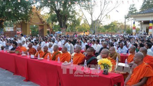 茶荣省为高棉南宗佛教僧侣进行民族和宗教政策与法律知识培训 hinh anh 1