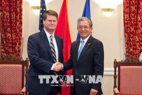 越美双方加强能源及防务领域的合作 hinh anh 2