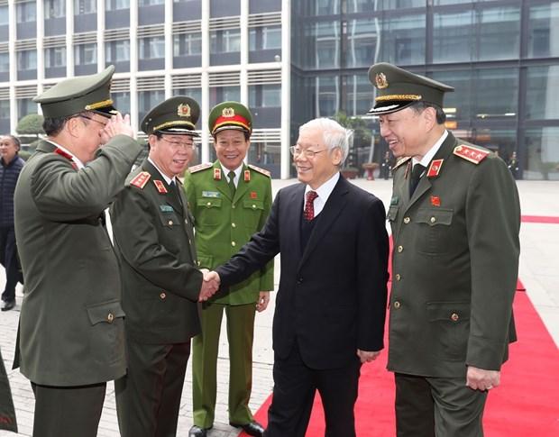 越共中央总书记阮富仲出席第73次全国公安会议 hinh anh 2