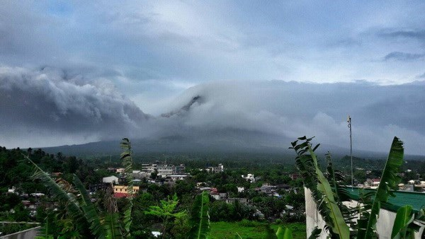 菲律宾政府疏散马荣火山附近900余户家庭 hinh anh 2