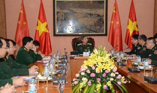中国人民解放军青年军官代表团访问越南 hinh anh 1