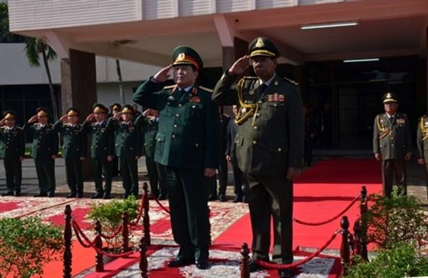 越柬两国国防部签署2018年度合作计划 hinh anh 1