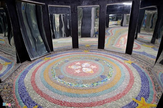 统一公园陶瓷镜子屋正式开门迎客 hinh anh 3
