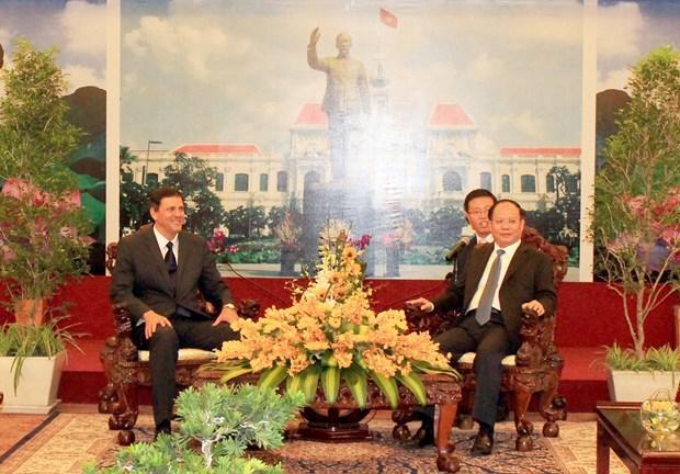 胡志明市与古巴考虑开展医疗卫生、高科技农业和粮食食品加工等领域的合作计划 hinh anh 1