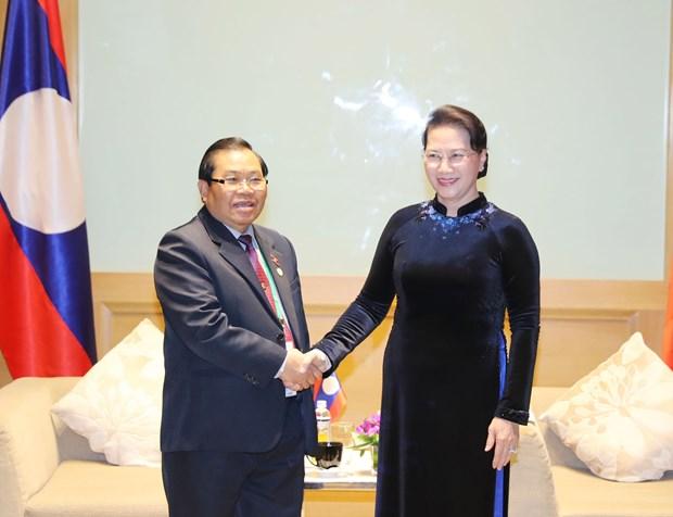 国会主席阮氏金银会见老挝国会副主席 hinh anh 1