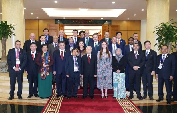越共中央总书记阮富仲会见出席APPF-26的各国议会代表团团长 hinh anh 1