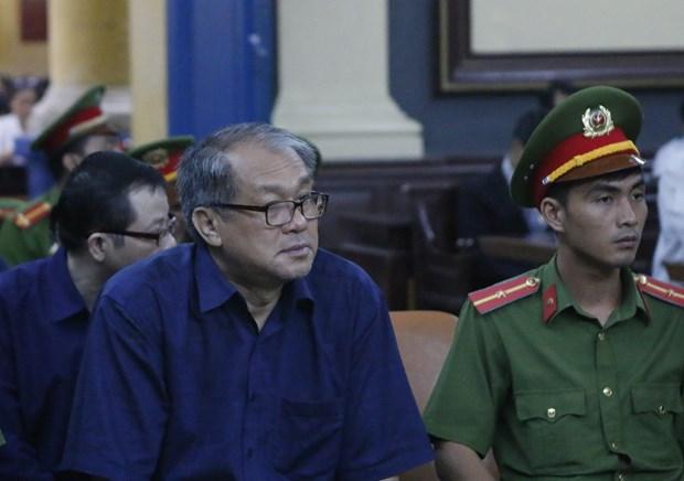 范功名腐败案:胡志明市人民检察院建议判处范功名30年有期徒刑 hinh anh 1