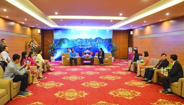 广宁省与老挝华潘省加强合作 hinh anh 1
