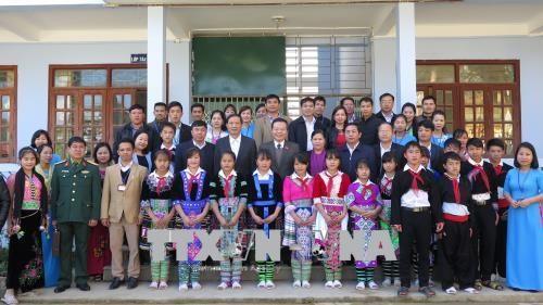 国会副主席冯国显春节前走访慰问莱州省贫困群众 hinh anh 1