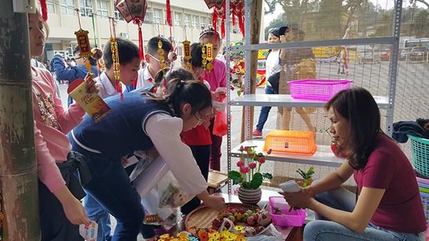 """""""我去迎春节"""" 文化体验活动 为小朋友营造温馨的春节空间 hinh anh 1"""