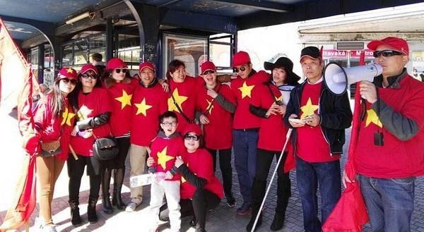 旅外越南人为U23球队的胜利而感到无比自豪 hinh anh 1