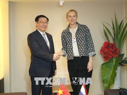 2018年达沃斯论坛: 越南同东盟共同体自信走向繁荣和包容性发展 hinh anh 3
