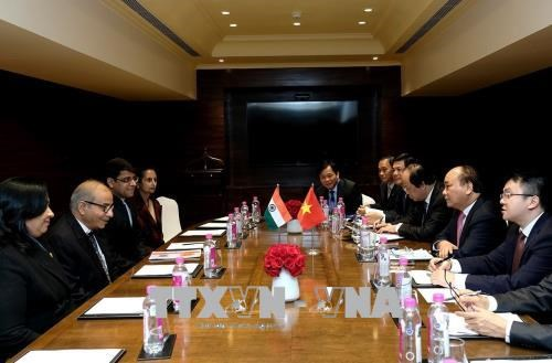 政府总理阮春福会见印度一流企业和集团领导 hinh anh 2