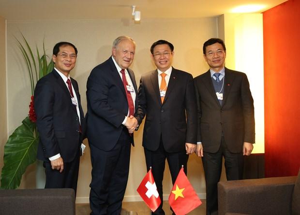 王廷惠副总理率团出席世界经济论坛第48届年会 hinh anh 1