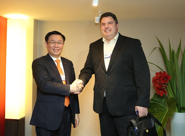 王廷惠副总理率团出席世界经济论坛第48届年会 hinh anh 2