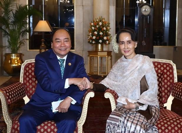 阮春福总理分别会见新加坡、泰国和缅甸领导 hinh anh 1