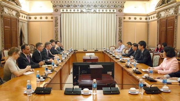 胡志明市与法国推动多领域合作发展 hinh anh 1